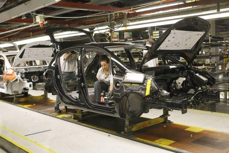 Opel fabricará más de 400.000 coches en 2015