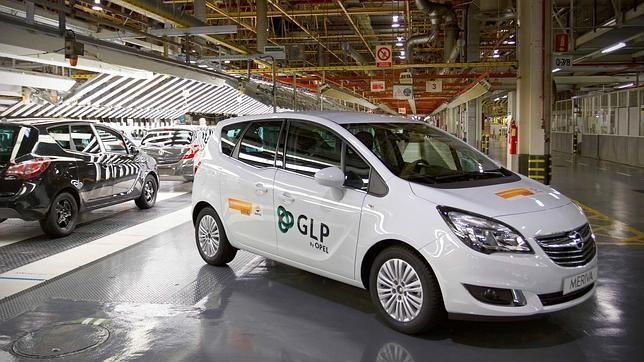 Opel y Cepsa unidos para potenciar el uso del autogás