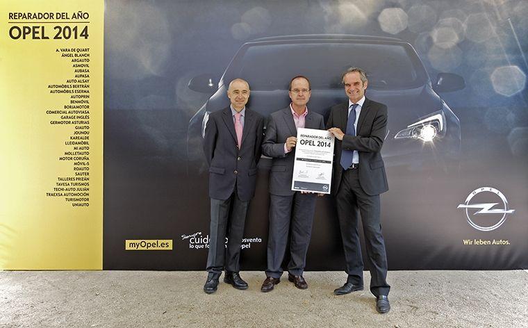 """Auto Palas reconocido por Opel España como """"Taller Reparador Opel del año"""""""
