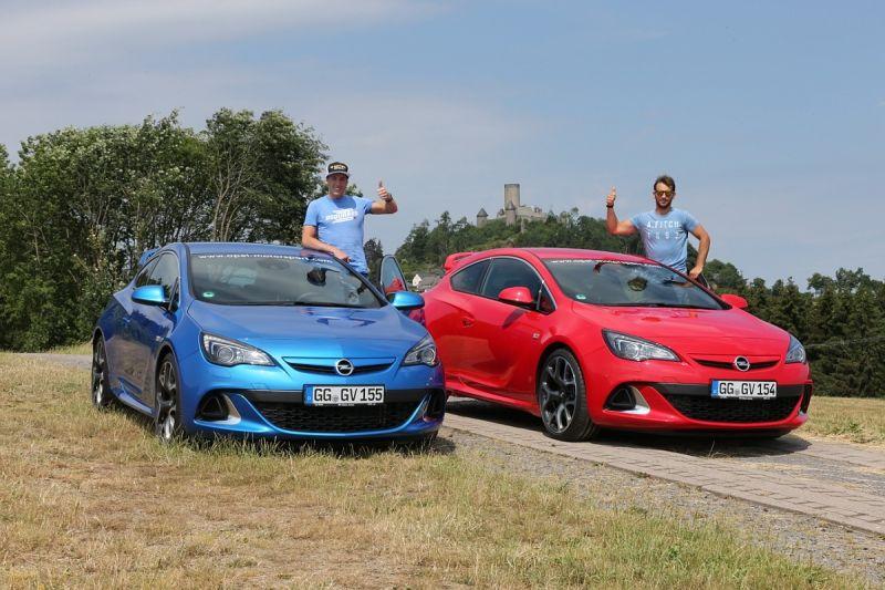 Espargaró y Cardús descubren el Nordschleife con Opel