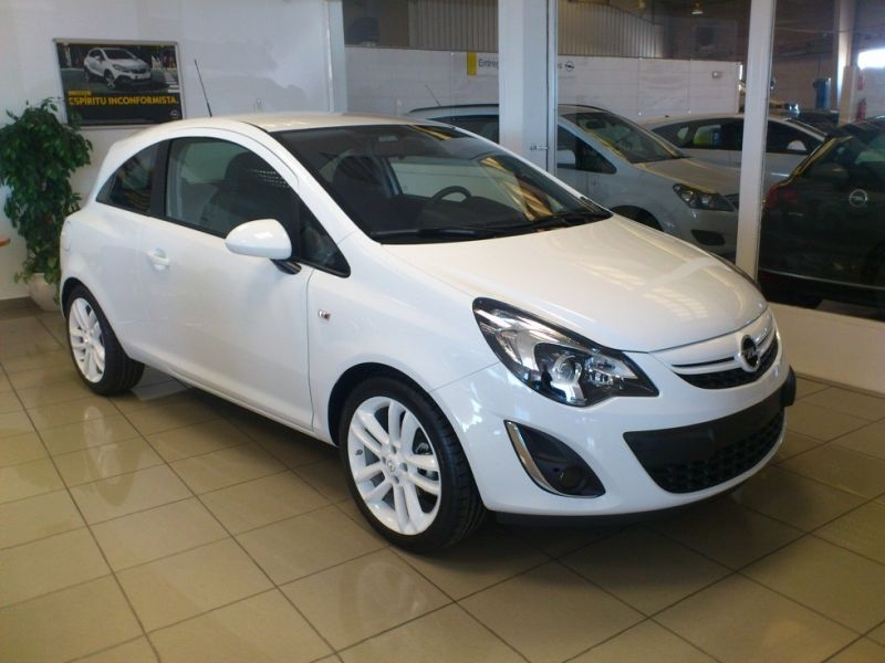 CORSA 3P COLOR EDITION 1.3 CDTI 95 CV 115 CO2 PV.12500€