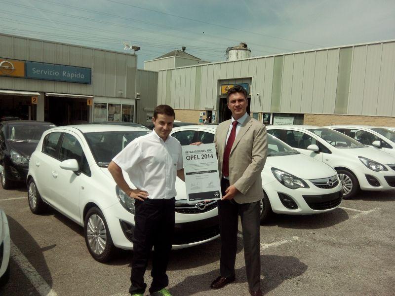 Germotor recibe el premio al Reparador Opel del Año