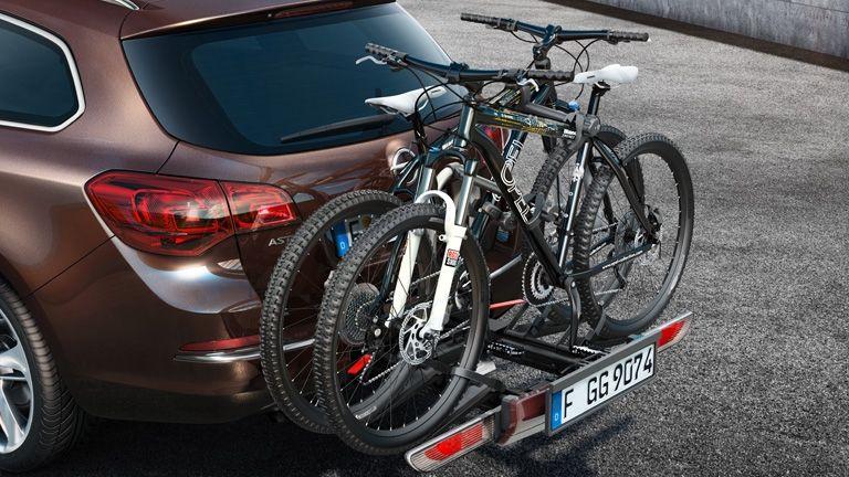 Opel, con su sistema FlexFix, vehículo oficial del 'Test the Best' de bici de montaña.