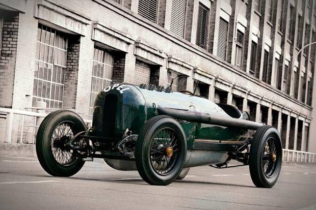 Opel en el centenario del Gran Premio de Lyon con sus coches originales