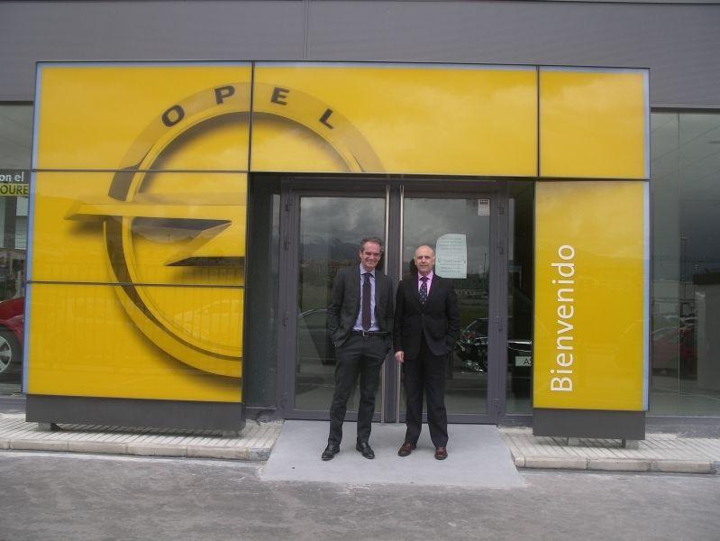 El Director General de Opel Visita FM Automoción