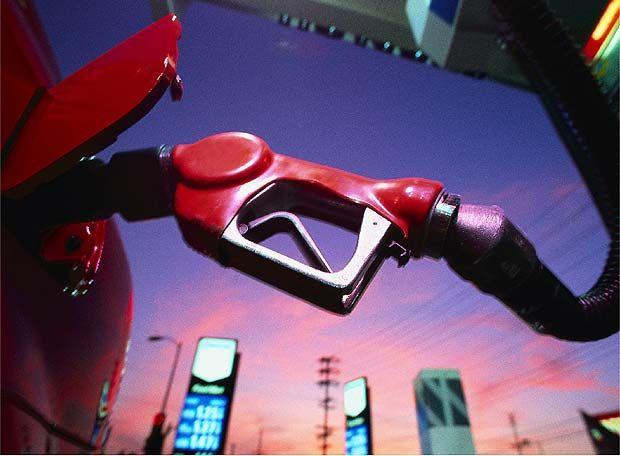 ¿Es mala para nuestro coche la gasolina low cost?