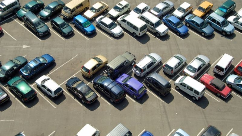 Se estudia un sistema para localizar aparcamientos libres en la calle