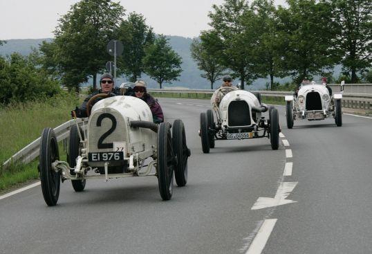 Los Opel de carreras originales vuelven al Gran Premio de Lyon 100 años después