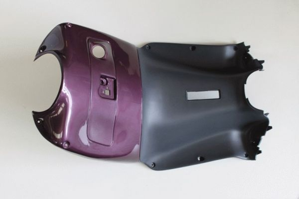 Contraescudo violeta Aprilia Leonardo - Ref. AP8139162
