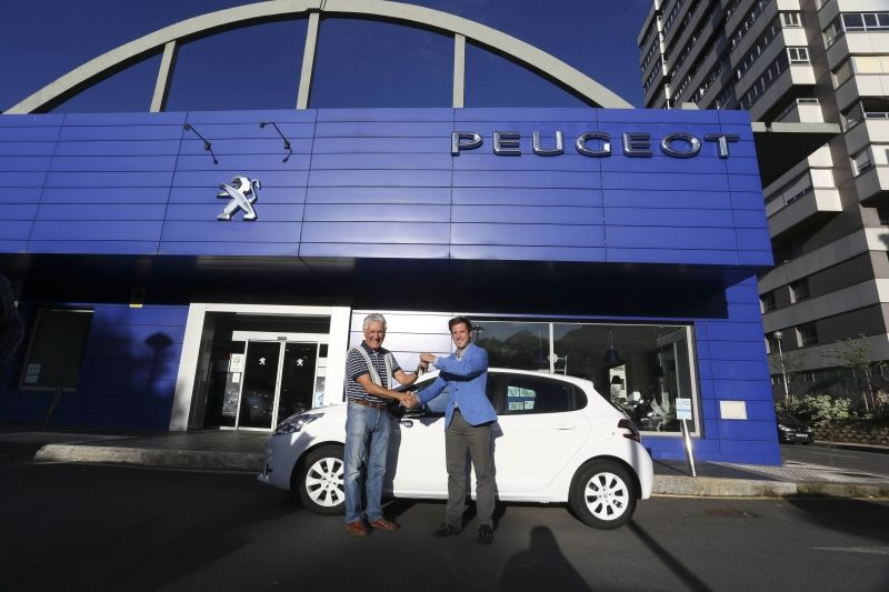 Alejandro Álvarez ha sido el afortunado ganador del sorteo del 2º Peugeot 208 Like