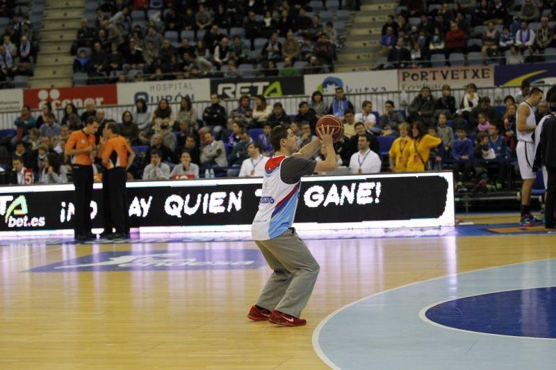 Balón bicolor y triunfo para Mikel Altuna