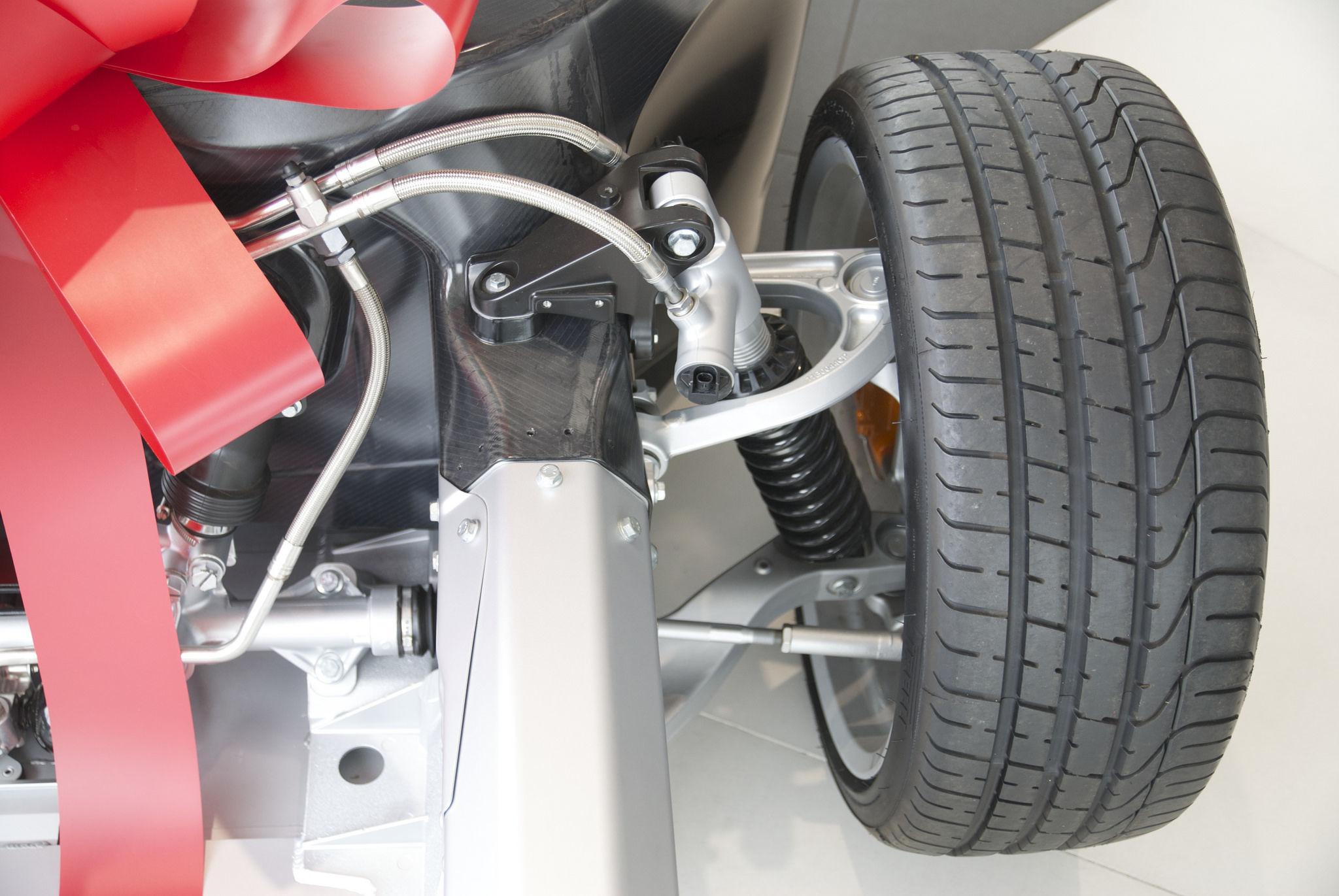 Por qué es importante mantener en buen estado los amortiguadores de tu coche