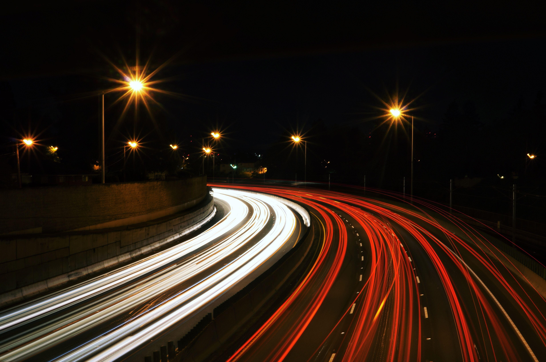 Revisar las luces de tu coche sí que es importante