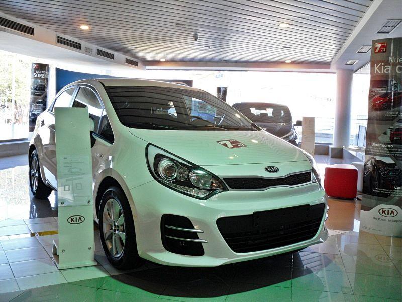 KIA RIO DRIVE NUEVO SIN MATRICULAR POR 11.600€ *