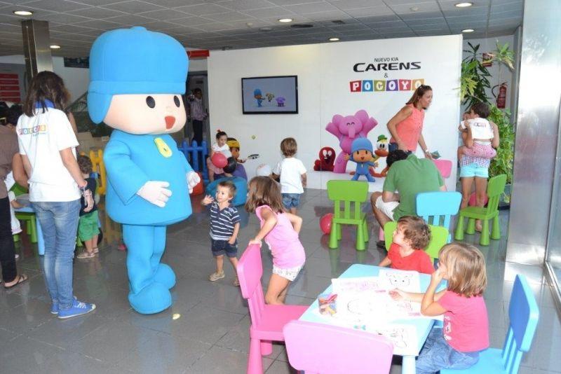 Pocoyó vino a Talleres Gallego en su nuevo KIA Carens