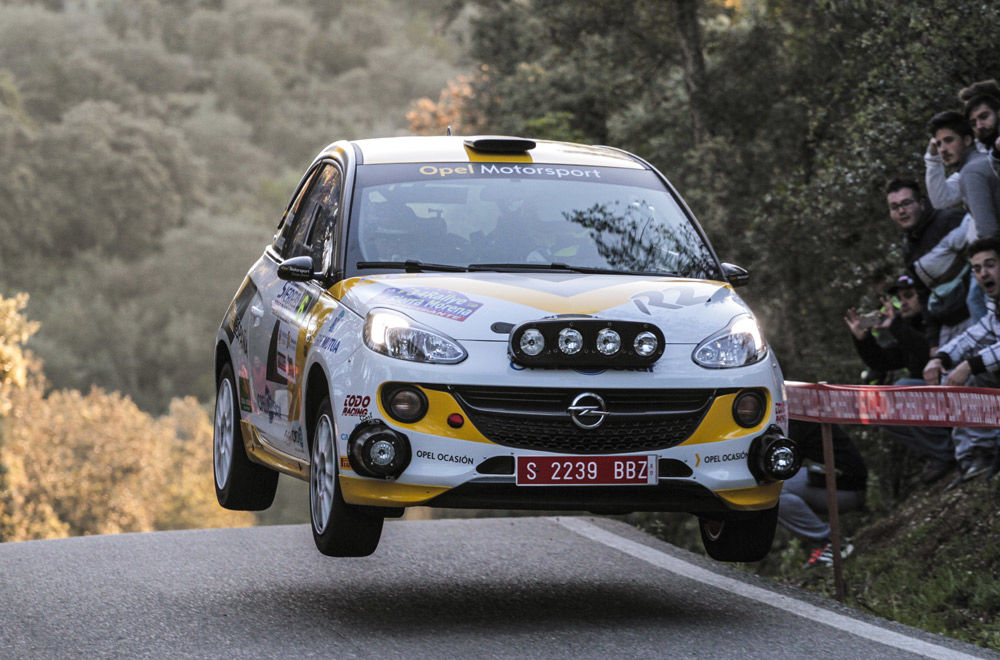 El Equipo Red Opel Motorsport llega líder al Rallye de Ferrol