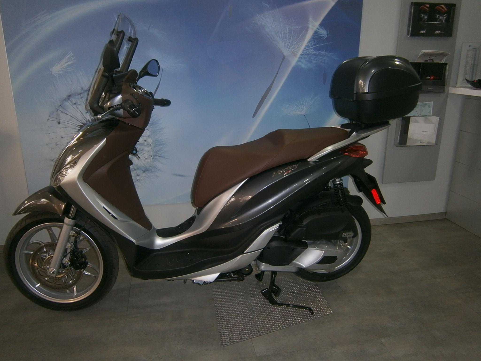 nuevo modelo  piaggio MEDLEY 125