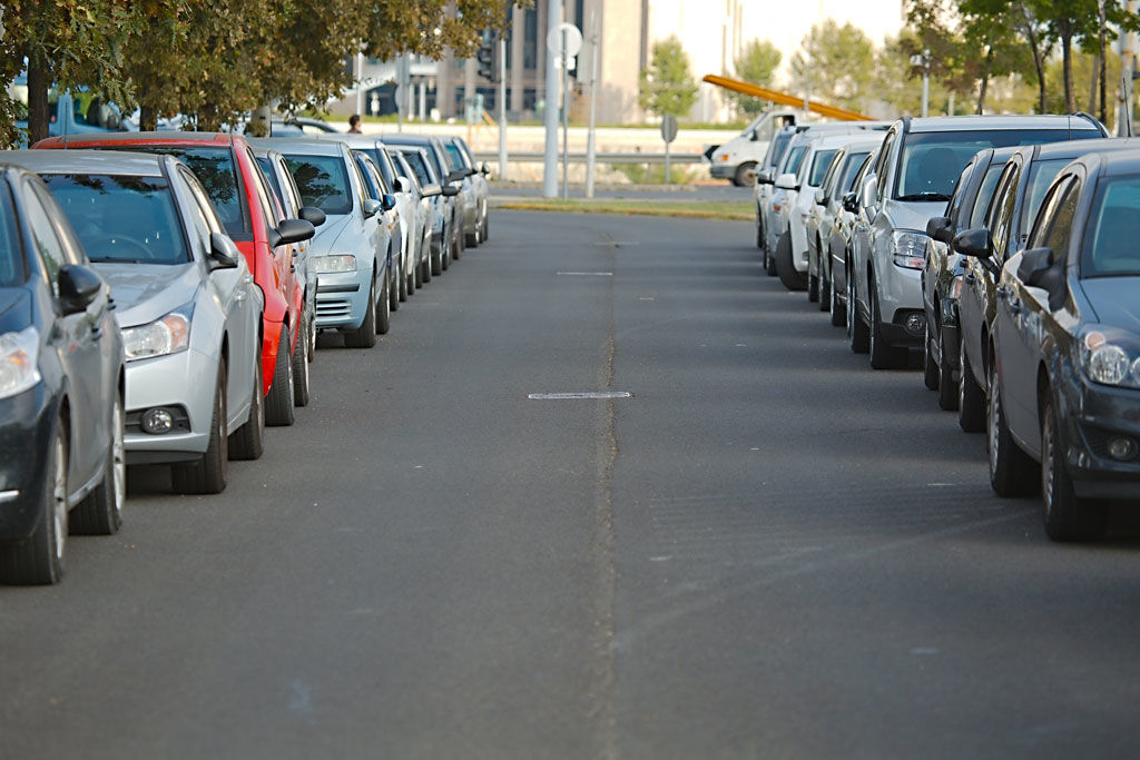 """El 81% de conductores recibe multas por """"mal aparcamiento"""""""