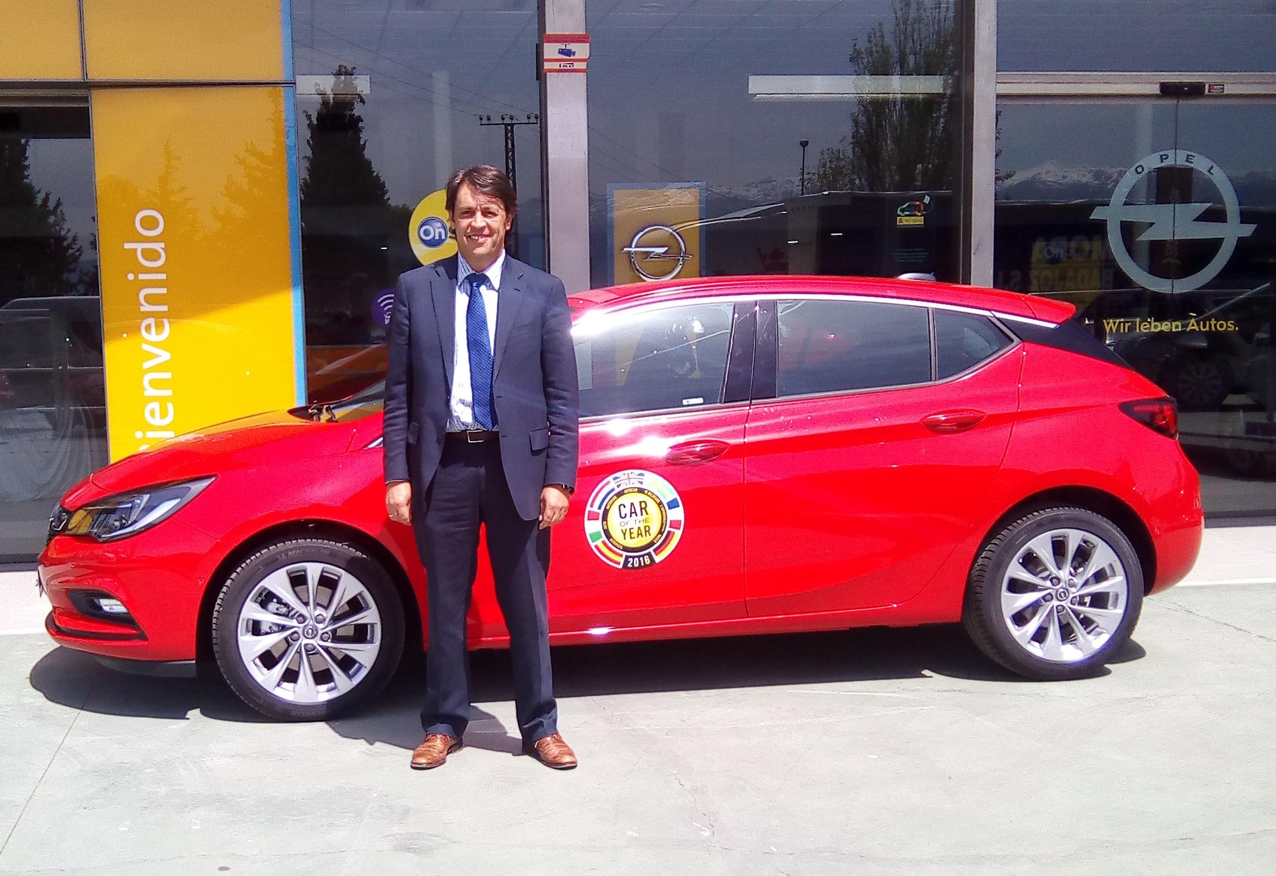 Nuevo Opel Astra. Los ojos de Autiberia y de Paolo, Jefe de Ventas.