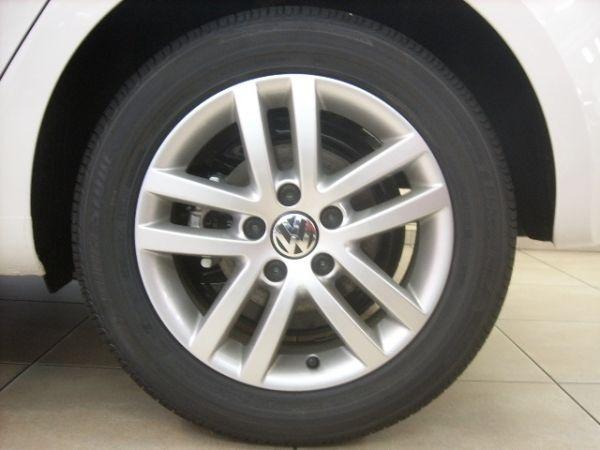Primeras marcas de neumáticos