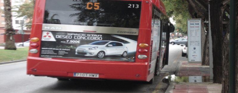 Nuestros vehículos van en autobús por las calles de Murcia