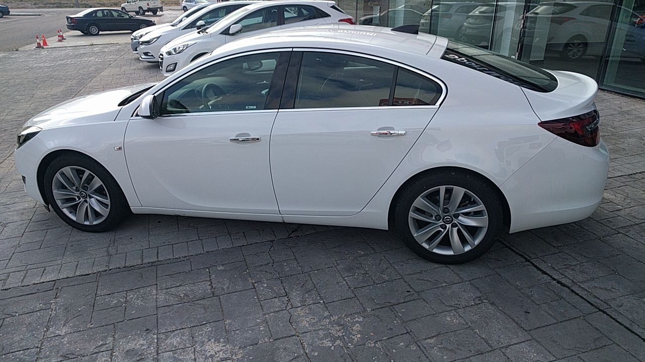 OPORTUNIDAD. OPEL INSIGNIA 1.6 136CV EXCELLENCE INNOVATE EDITION.