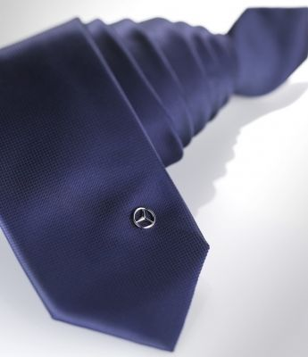 Corbata, con pin