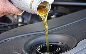 ¿Sabes porque hay que cambiar el Aceite del motor de manera periódica?