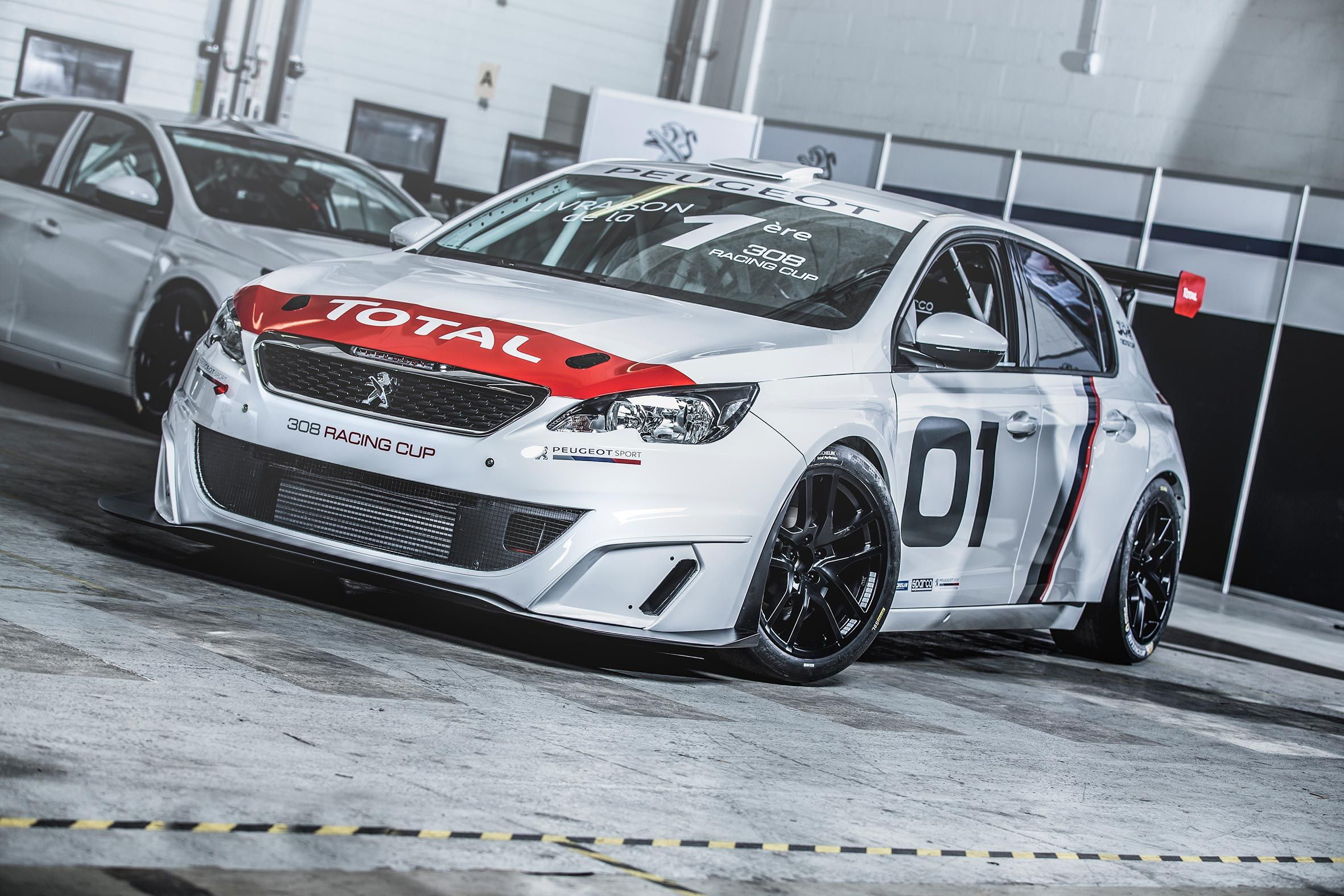 Entregado el primer Peugeot 308 Racing Cup