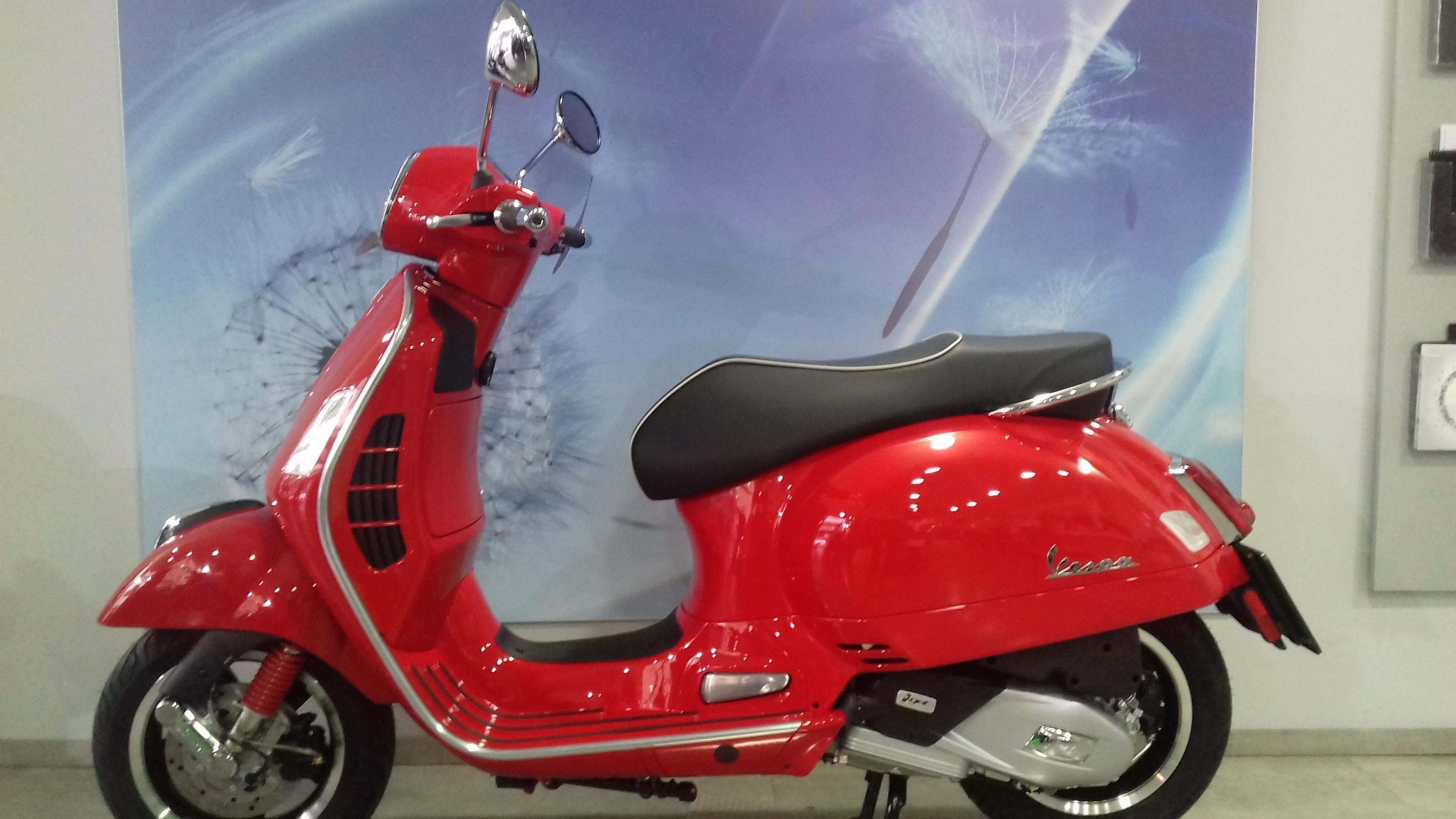 Nueva Vespa GTS 125 Euro 4 Demo