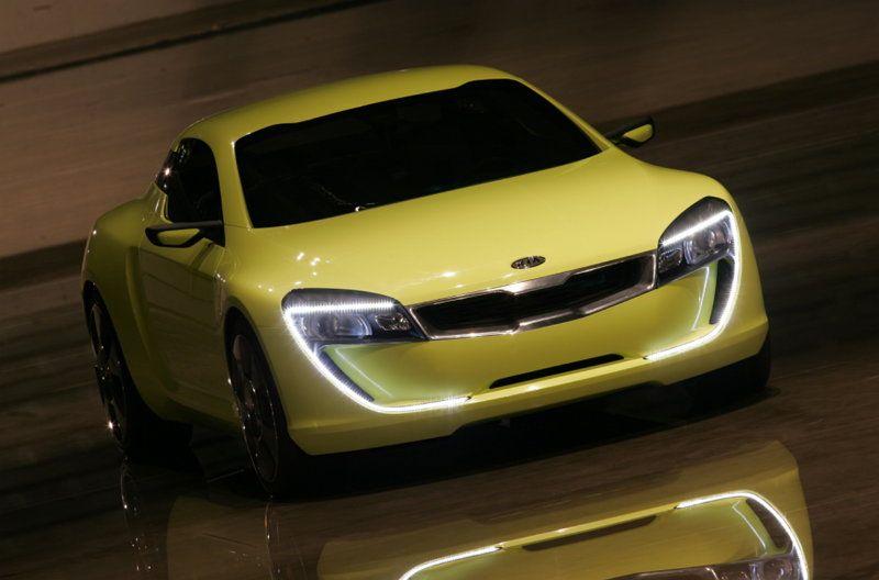 """Décimo aniversario de la llegada de la """"Nariz de Tigre"""" al diseño de Kia"""