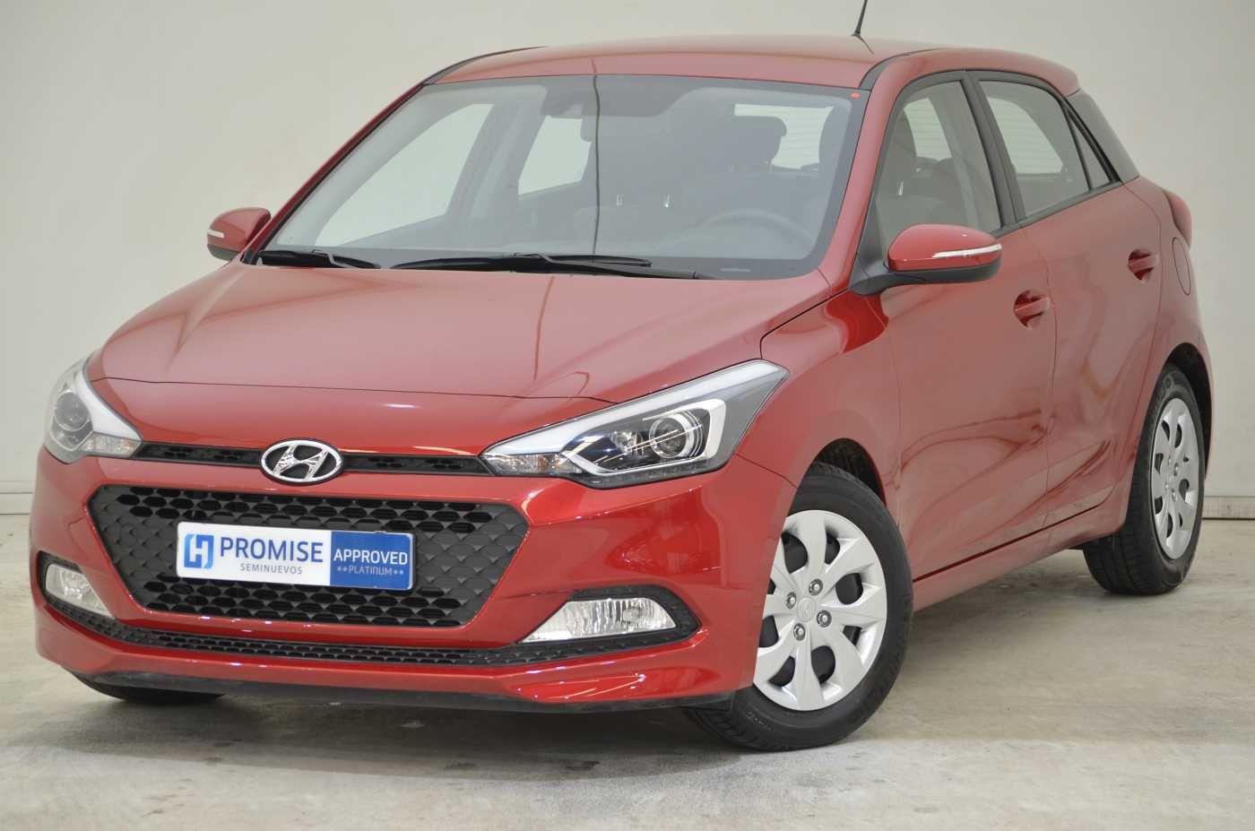OFERTA ESPECTACULAR Hyundai i20 1.2 Klass Passion Red, 28.800 km, gasolina per només 9.500€*