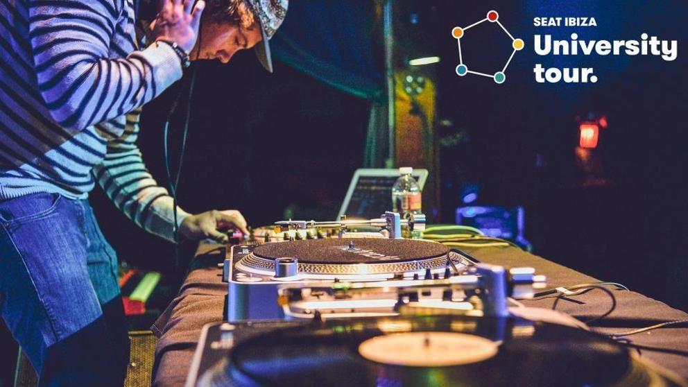 Evento!! Atentos a las noticias en nuestra Web, Blog, Facebook, Twiter y Google+ ¿Se te da bien la tabla de mezclas? Seat busca los mejores DJ del país