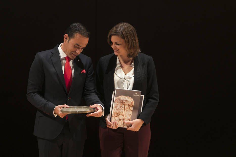 J.R. VALLE, PATROCINADOR DE LOS PREMIOS JOVEN EMPRESARIO