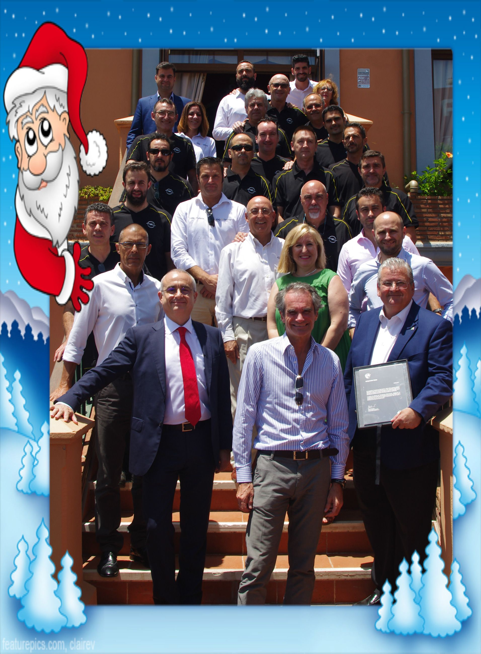 La familia OPEL Autopremier  Quiere desearle  Feliz Navidad y un Próspero Año Nuevo