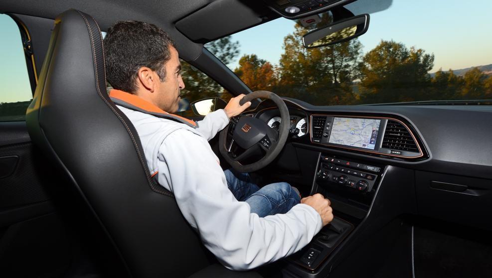"""ElCupra R probado por el experto pilotoJordi Gené: """"Para mí es uncoche único, tanto en la conducción como en su diseño"""""""