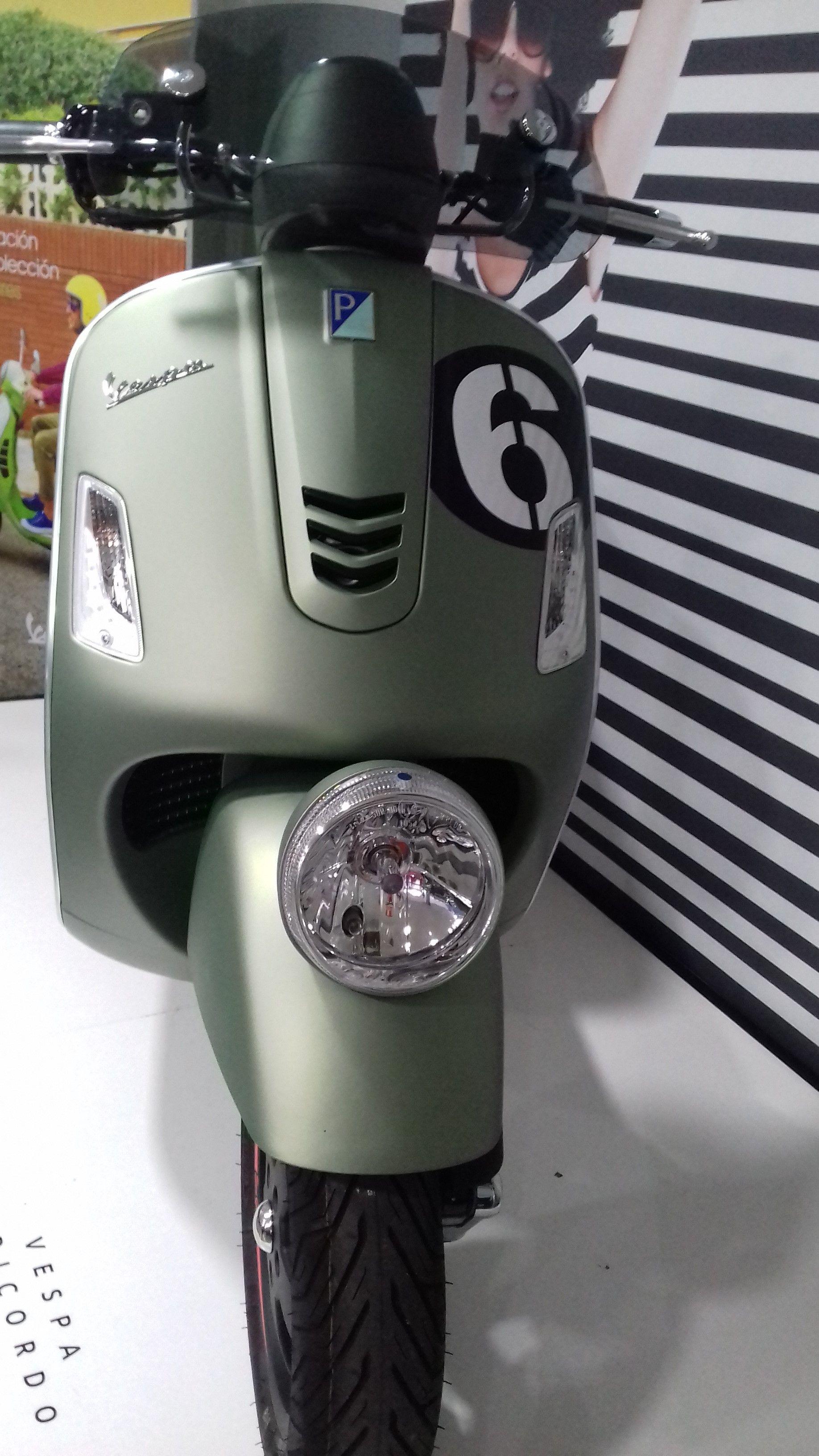 VESPA GTS 300 SEI GIORNI. Edición Especial