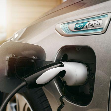 ¿Qué significan las siglas de los coches eléctricos?