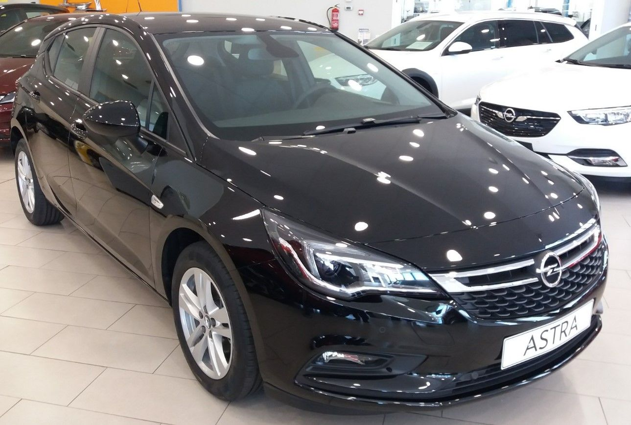 OPORTUNIDAD: Vehículo en Stock. Opel Astra 1.0 gasolina 105cv Selective desde 15.825€*