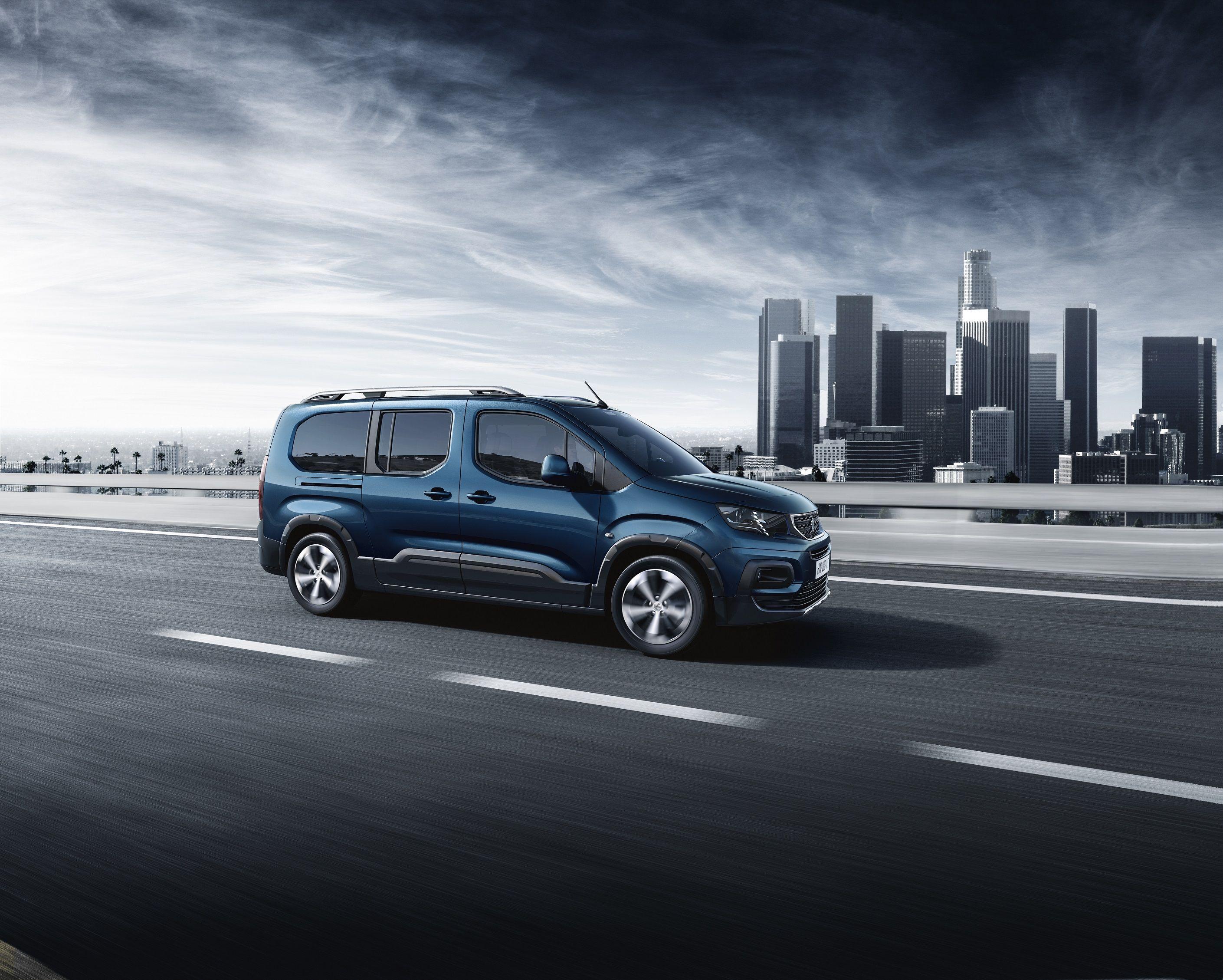 Nuevo Peugeot Rifter: ¡Acción!