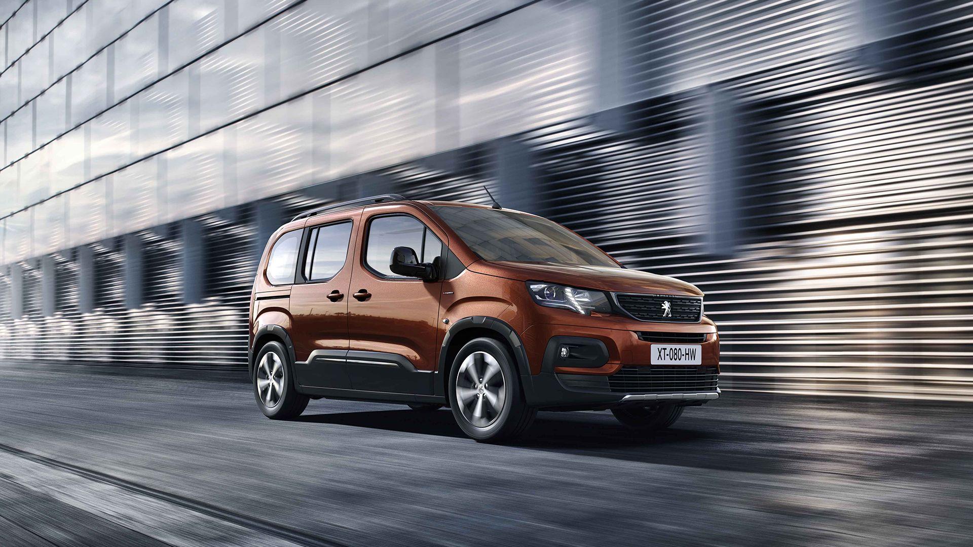 El Peugeot Partner se renueva y pasa a llamarse Rifter
