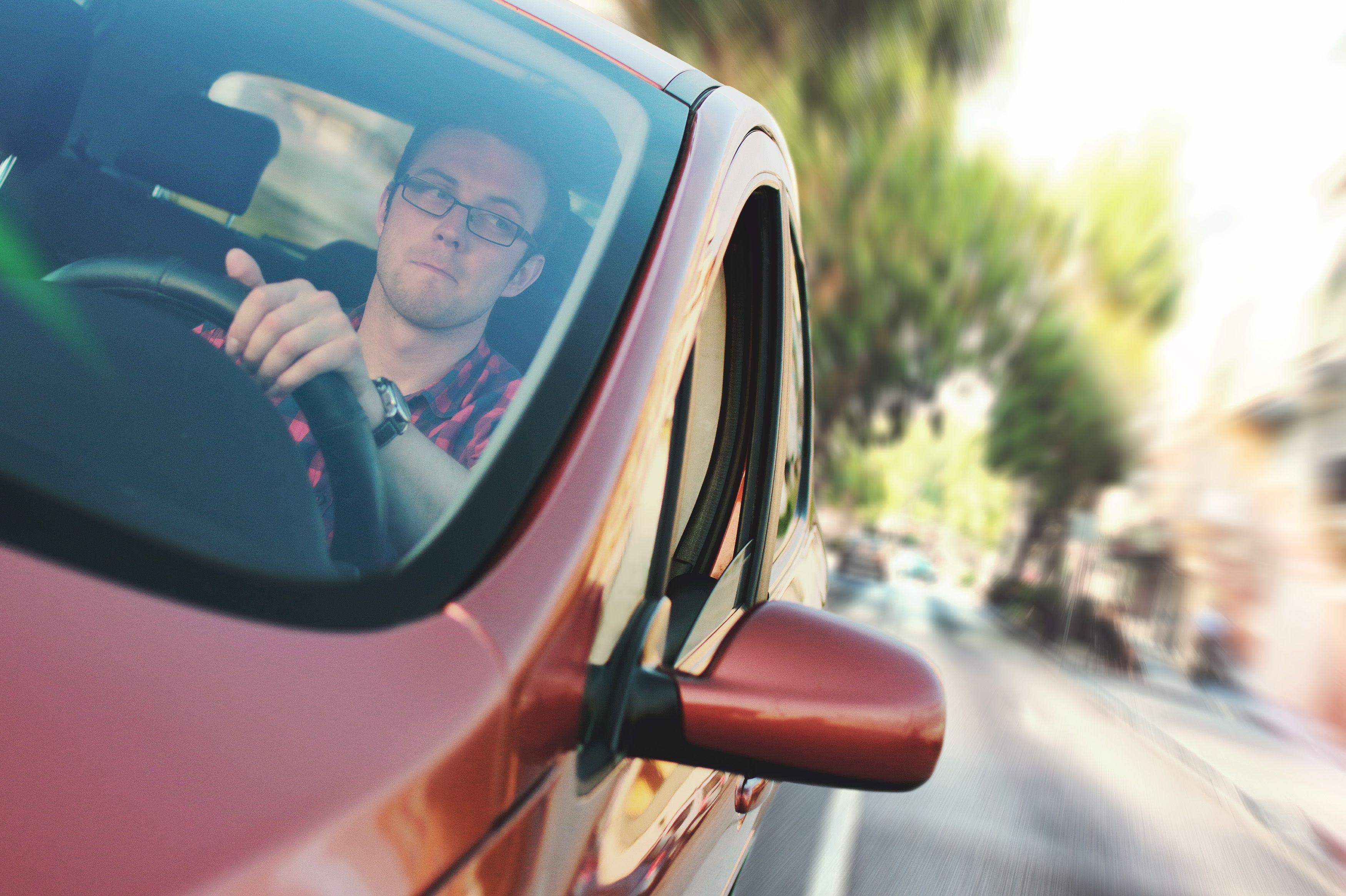Disfruta de un viaje seguro en coche para tus vacaciones de Semana Santa