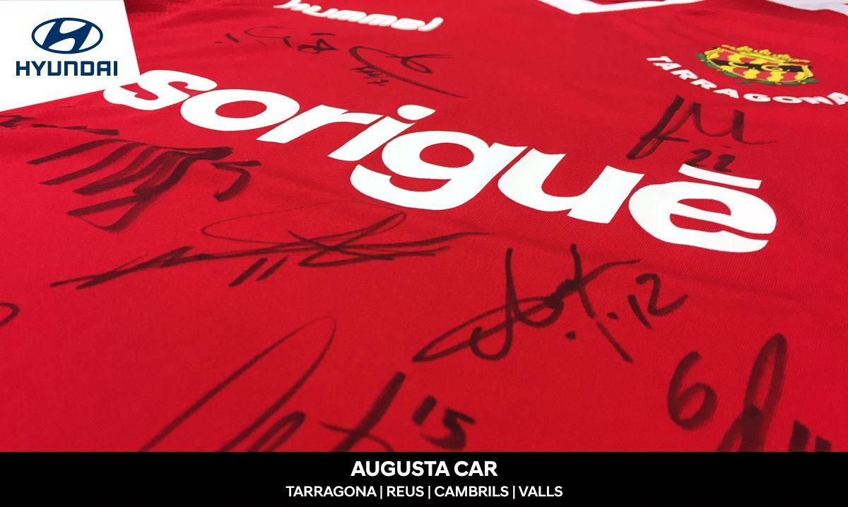 Sorteamos una camiseta firmada por los jugadores del primer equipo del Nàstic de Tarragona