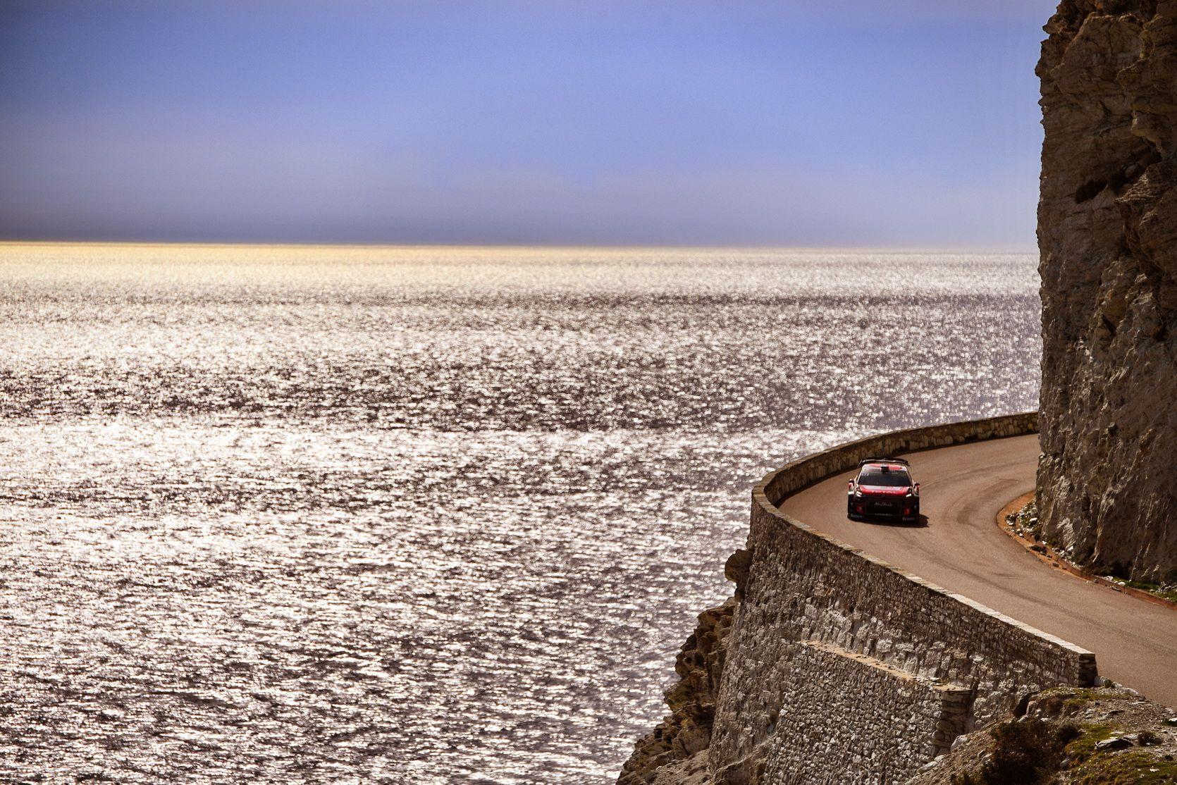 LOS C3 WRC SE MOSTRARON COMPETITIVOS EN CÓRCEGA PERO SIN SUERTE
