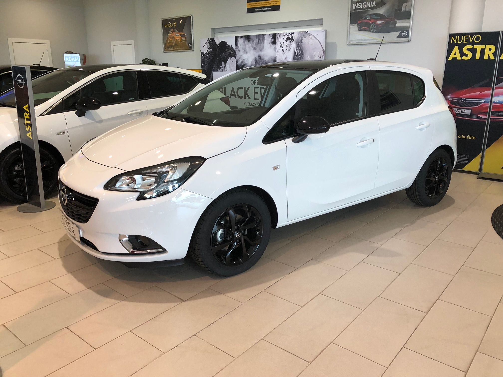 Opel Corsa 1.4 90CV por 6€/día