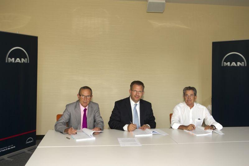 Firma del Nuevo Contrato de Distribución de MAN