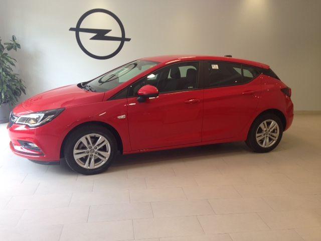 Nuevo Opel Astra Selective 1.4 T 125cv gasolina KM0. POR 14900€*