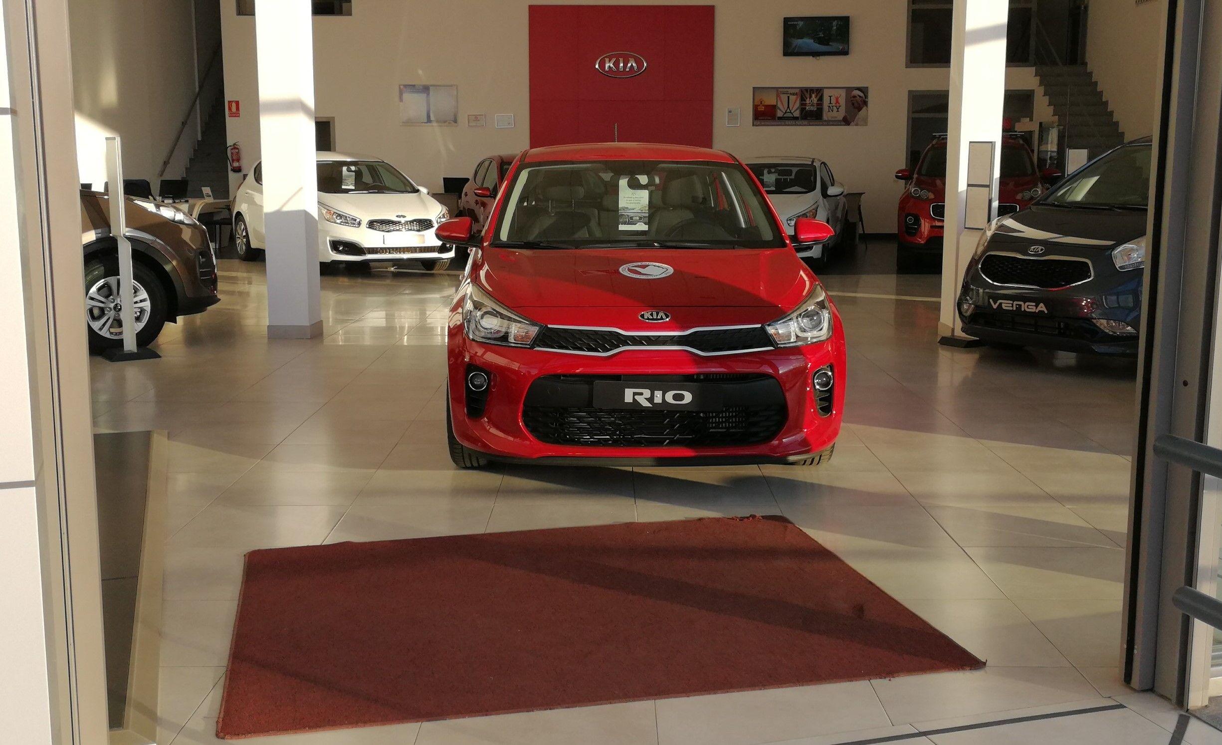 Kia Rio 1.4 Concept 77Cv Signal Red