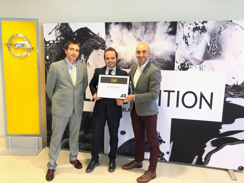Tavesa vuelve a ser reconocido como ''Reparador Oro''