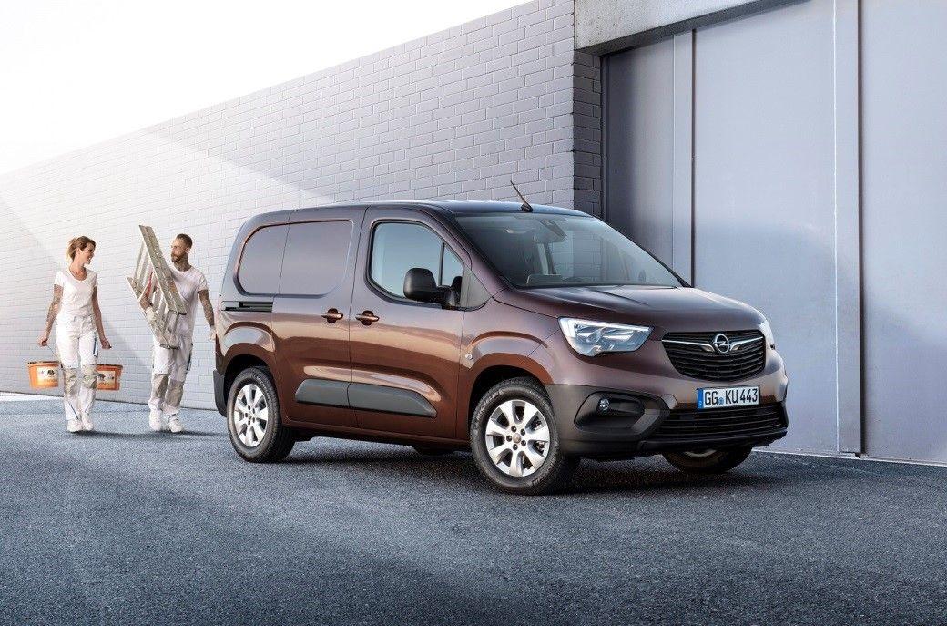 Nuevo Opel Combo Cargo: espacioso vehículo de transporte con formato compacto y avanzadas tecnologías